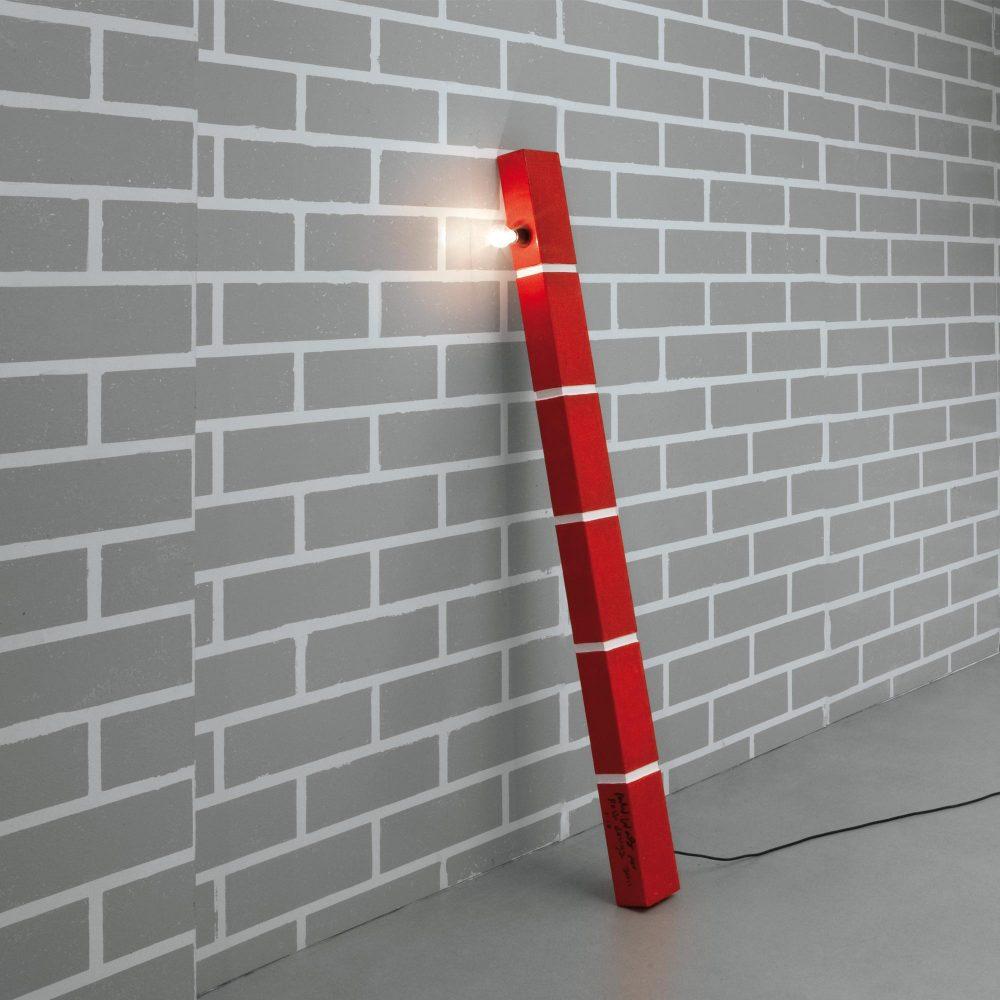 The Red Brick Lamp n°1