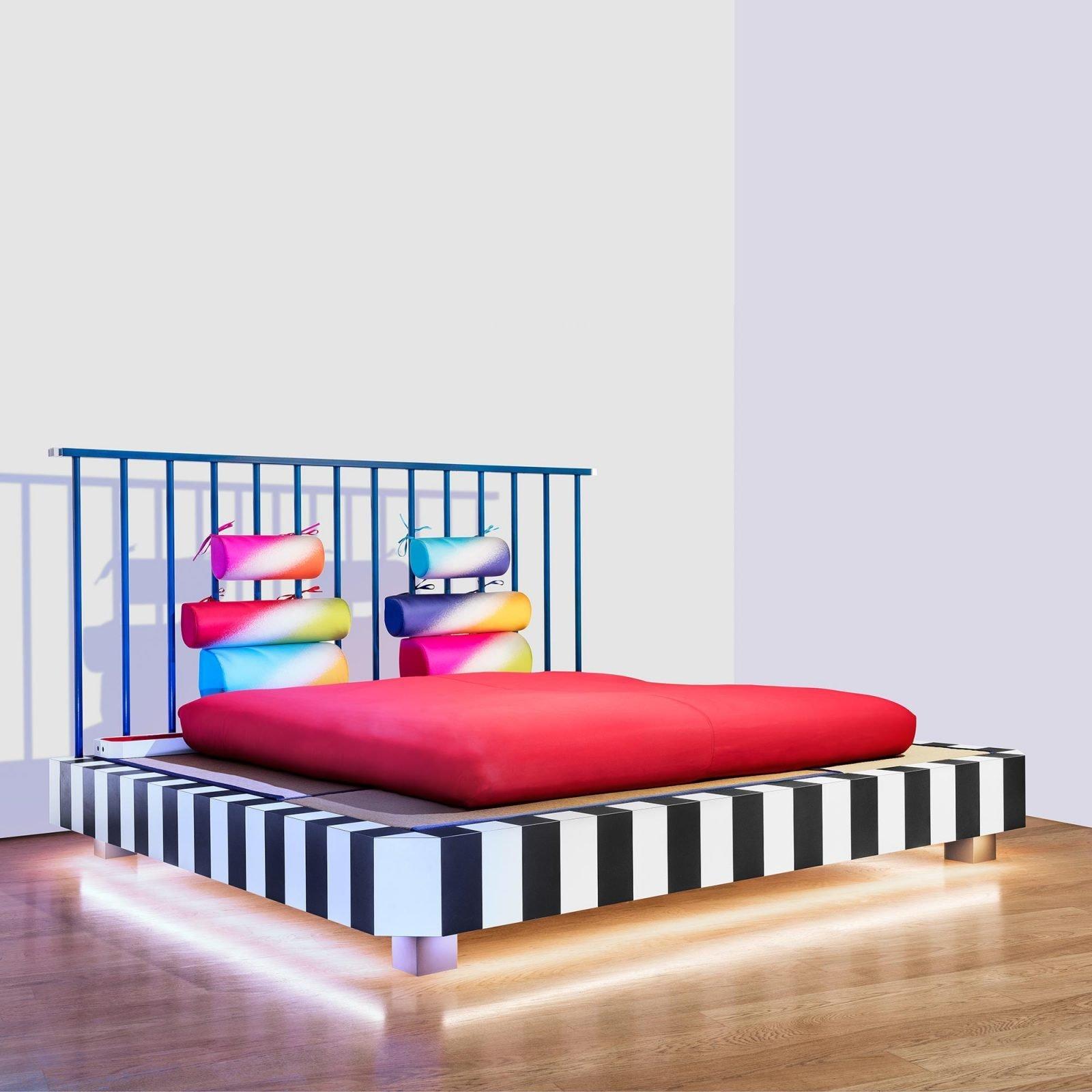 Utamaro Bed